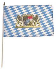 Fahne, Bayern mit Wappen, Holzstiel, Gr. 30x45 cm
